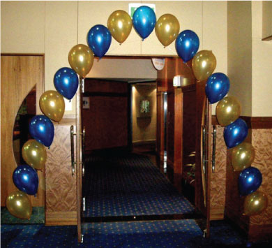 Balloon_decor_string_of_pearls